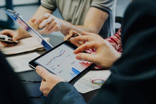 Managing telecom expenses in businesses
